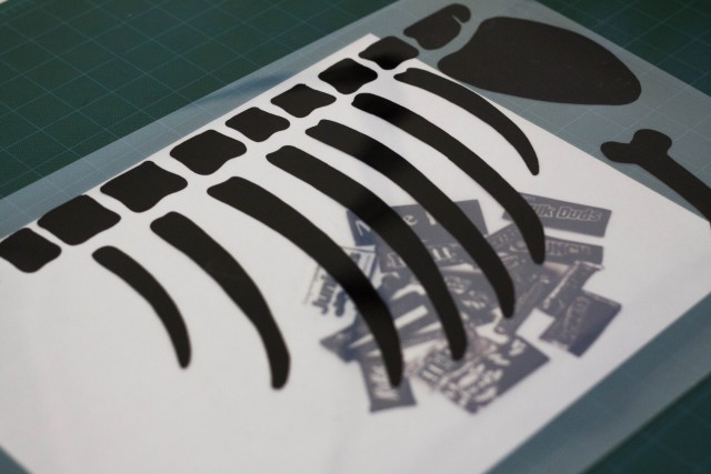 Print Negative / Cut bones